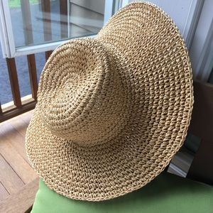 80a76e7137fe0 French Connection Accessories - NWT Straw Hat Beach Summer Hat French  Connection